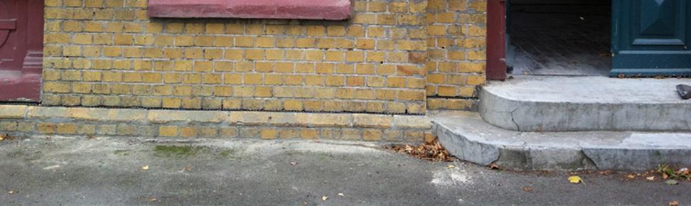 Horizontalsperre Ziegelmauerwerk und unterhalb Sandstein